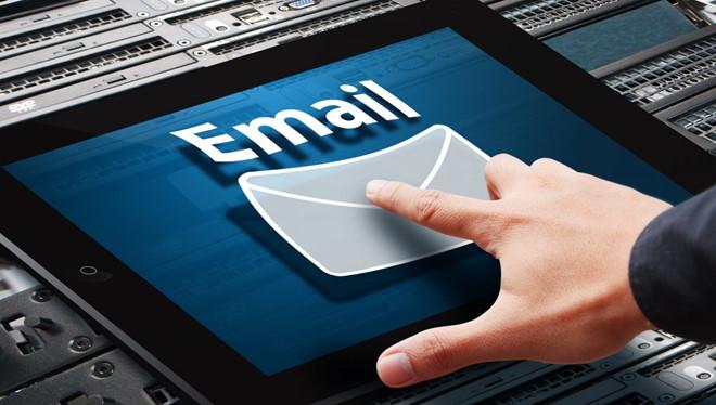 Quản lý email hiệu quả - Kiểm tra email thường xuyên