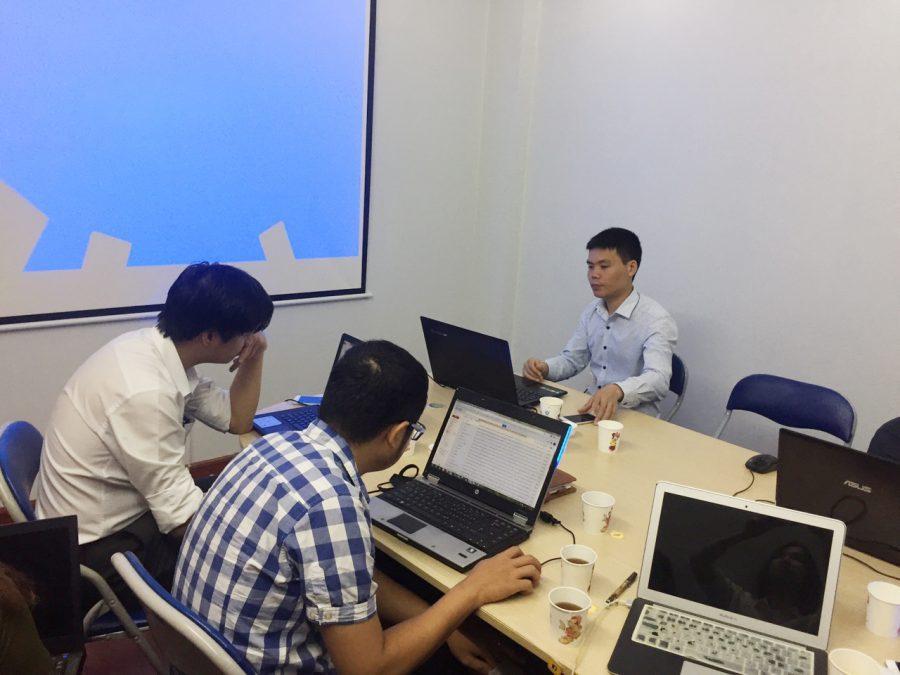 Crmviet tư vấn cho khách hàng sử dụng phần mềm