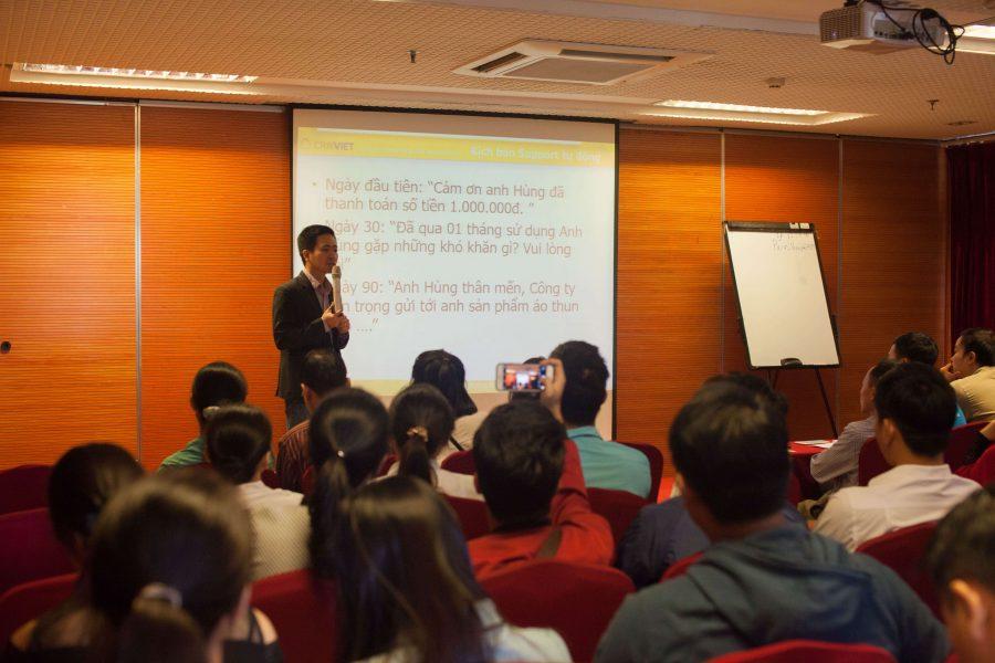 Anh Nguyễn Mạnh Tưởng - CO, Founder của CRMVIET Người thuyết trình trong suốt buổi hội thảo