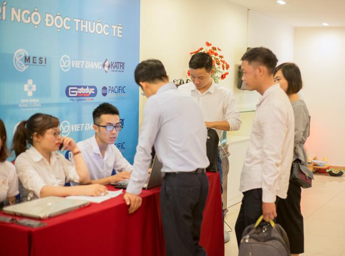 Công tác Check in cho khách hàng tới tham dự Sự kiện