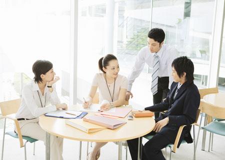 kết nối nhân viên với quản lý để quản lý thời gian