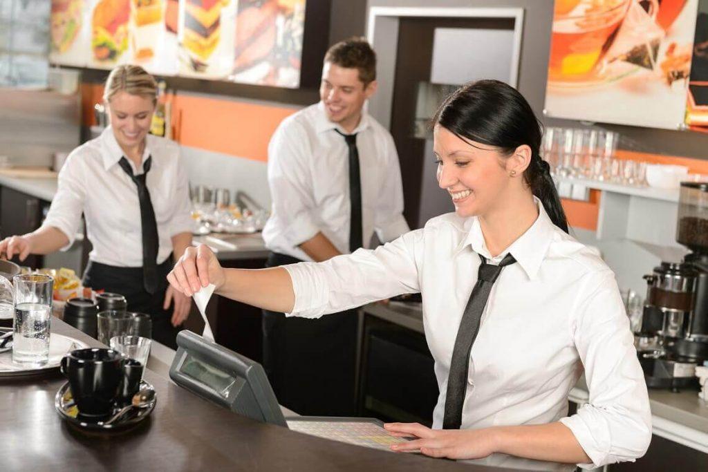 cách quản lý nhà hàng điều hành nhân viên