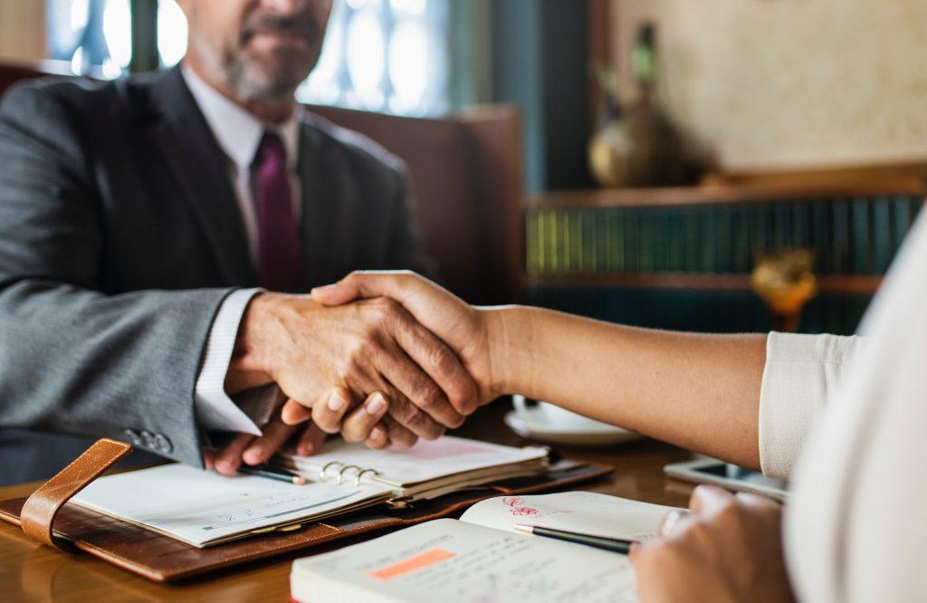 Chiến lược tiếp cận và thu hút khách hàng